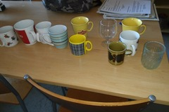 Annetaan: Give away mugs and a half cabinet