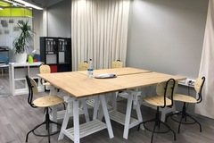 Renting out: Yhteisöllinen työtila Coworking Myyr York