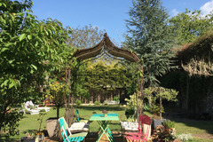 Offres: Beau Jardin privé