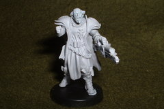 Selling: WH40K Witch hunters Inquisitor. 30-32mm resin.Non-GW.