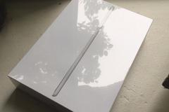 Myydään: iPad (5th gen., 32Gb)