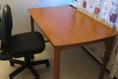 Myydään: Wooden table