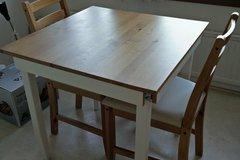 Myydään: Dining table set