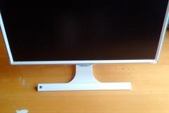 Myydään: SAMSUNG 24'' Monitor
