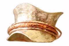 Selling: Aveline Spinner Ring