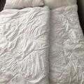 Myydään: Blankets and pillows