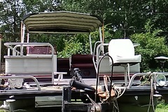 Offering: Cleaning, Modifications,and repairs to boat,trailor,or slip