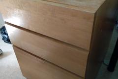 Giving away: Laatikosto/drawer