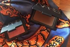 Venta: NARS  Pack de: bronceador Laguna y colorete Orgasm