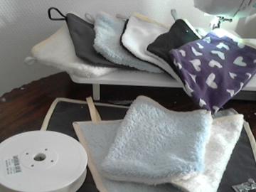 Sale retail: gants de toilettes en coton éponge unis et bicolore