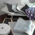 Vente au détail: gants de toilettes en coton éponge unis et bicolore
