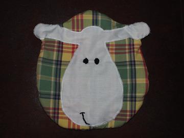 Vente au détail: Range-pyjama Mouton tissu écossais - création originale