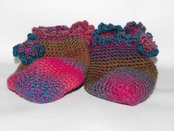 Vente au détail: chaussons montants Pur Laine en crochet - Création Unique