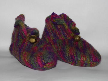 Sale retail: Chaussons montants grelot PurLaine tricotées/feutrées