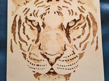 Vente au détail:  tête de tigre pyrogravure sur plaque de contreplaqué
