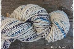 A vendre: Filé main 100% laine de mouton rustique (192m/247g)