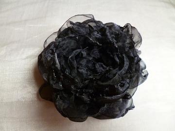 """Vente au détail: Broche fleur """"La Noiraude"""""""