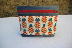 Vente au détail: Trounsse en jean recycé et coton imprimé ananas