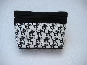 Vente au détail: Trousse en toile et noire et coton imprimé petits chats