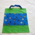Vente au détail: Trois serviettes de table élastiquées pour la maternelle