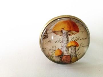 Vente au détail: Bague bronze cabochon verre famille de champignons