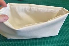 Vente au détail: Petite poche blanche de rangement