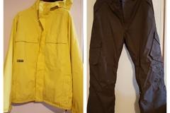Myydään: Burton snowboarding/skiing outfit
