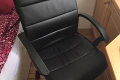 Myydään: Office chair (move out sale)