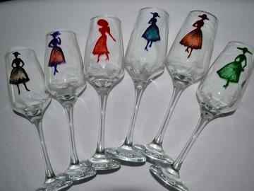 """Vente au détail: 6 flûtes peintes """"femmes élégantes des années 50"""""""