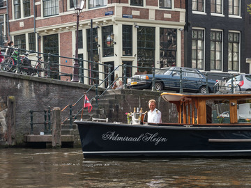 Rent per 2 hours: Admiraal Heijn - Luxury electric saloon boat - 12 ppl