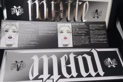 Venta: Paleta Metal/Matte de Kat Von D (reservada a Montse)
