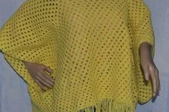 Vente au détail: PONCHO GRANNY LAINE TRES  taille unique
