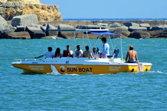 Rent per 1,5 hour: Sunset Party Tour on a Solar Boat