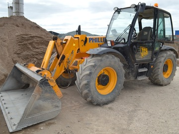 Daily Equipment Rental: JCB Loadall Agri Super 536-60