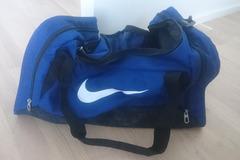 Myydään: Selling a blue Nike gym bag!