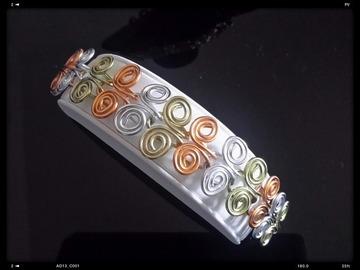 Sale retail: Parure ailes de papillon (collier+bracelet)