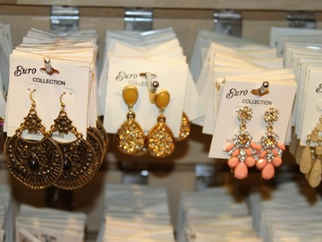 Sell: 600 Brand New Pairs Of Earrings