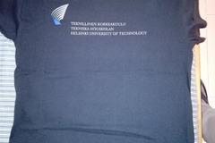 Myydään: TKK t-shirt - NEW size L