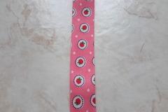Vente au détail: ruban biais à motifs fraises