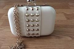 Myydään: Leather handbags