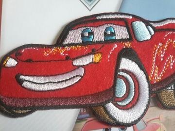 Vente au détail: écusson thermo adhésif voiture course