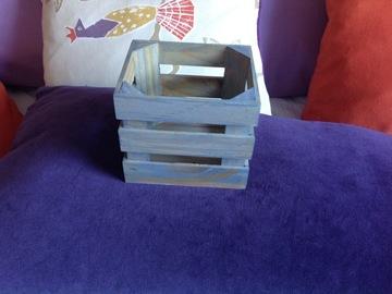Ilmoitus: 4 kpl puisia sinisävyisiä puulaatikoita