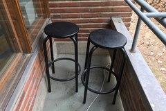 Selling: Bar stools