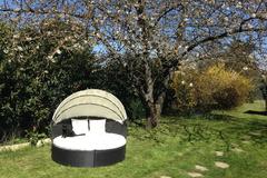 Offres: Grand jardin pour BBQ, fêtes, potager (25 km deParis)