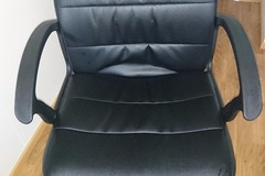 Selling: Office chair in good condition