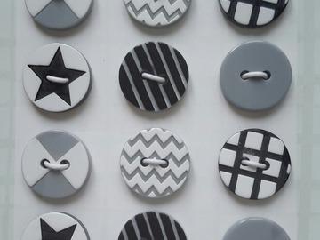 Sale retail: boutons à coudre assortiment 12