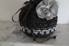 Vente au détail: Recyclé, sac, bourse, aumoniere noir/argent,fleur broche