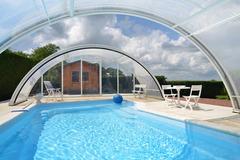 Offres: Magnien 21230 jardin piscine couverte /chauffée - ping pong