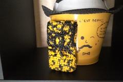 Vente au détail: Upcycling  pochette téléphone chiné noir/jaune.
