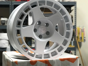 Selling: 18x9 | 5x114.3 | Fifteen52 Turbomacs